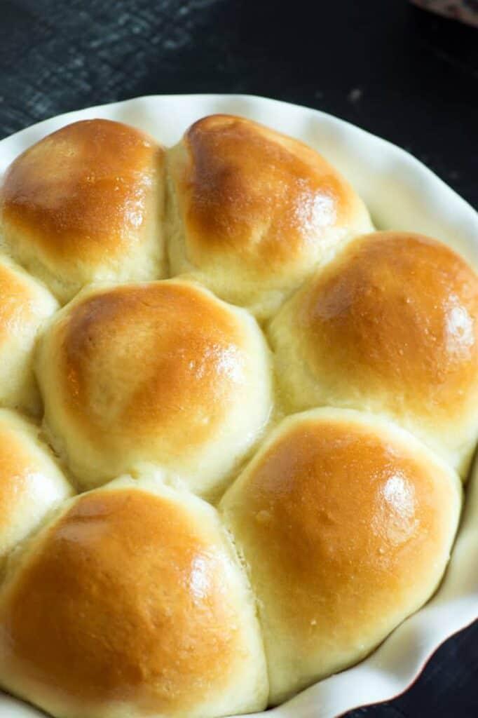 platter of sweet hawaiian rolls